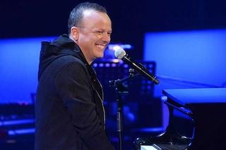 """Sanremo 2019, gli auguri di Gigi D'Alessio a Nino D'Angelo: """"Però fai presto che teniamo da fare"""""""