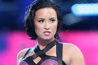 """Migliorano le condizioni di Demi Lovato dopo il ricovero per overdose: """"È sveglia e cosciente"""""""