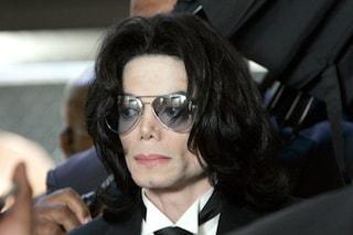 La BBC cancella Michael Jackson dalle sue playlist: giallo sulla decisione seguita alle accuse