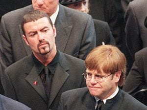 George Michael ed Elton John (JOHNNY EGGITT/AFP/Getty Images)