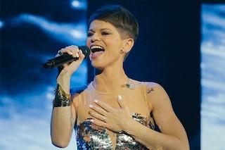 """""""Fidatevi ancora di me"""" e Alessandra Amoroso conquista l'Arena di Verona, due sold out prima dello stop"""