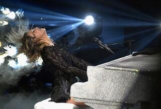 Taylor Swift fa marcia indietro: torna in streaming tutto il catalogo musicale