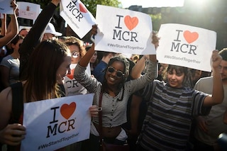 """One Love Manchester, tutto pronto per il concerto evento, Ariana Grande: """"Prego per Londra"""""""