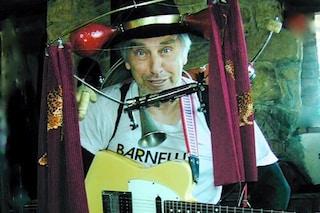 Addio all'artista di strada Barnelli, che con Otto fu scoperto da Renzo Arbore