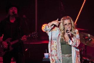 """Anastacia presenta """"Evolution"""" e torna sul cancro: """"Sempre presente nelle mie canzoni"""""""