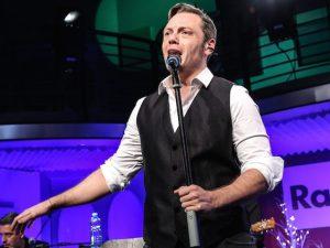 Tiziano Ferro durante il live di Radio 2 (LaPresse)