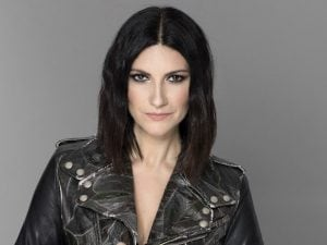 Laura Pausini (ph Julian Hargreaves)