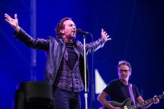 I Pearl Jam infiammano Milano, in 60mila per la band di Eddie Vedder