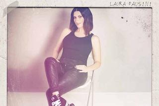 """La spensieratezza di Laura Pausini nel video del nuovo singolo """"E.STA.A.TE"""""""