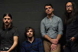 Gli Avett Brothers cancellano un concerto a causa di un uomo armato in sala