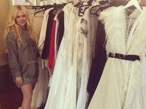 Avril Lavigne (via Instagram)