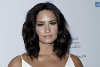 """Demi Lovato resta in ospedale con nausea e febbre alta: """"Sta molto male"""""""