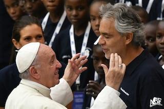 Andrea Bocelli si esibirà per Papa Francesco in occasione del Meeting delle famiglie di Dublino