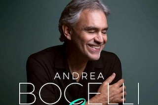 """Andrea Bocelli annuncia il nuovo album """"Sì"""": con lui Ed Sheeran, Dua Lipa, Ferro e suo figlio Matteo"""