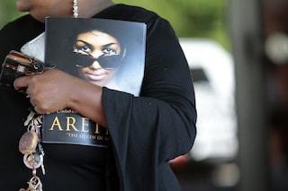 Ai funerali di Aretha Franklin la musica le rende omaggio: da Ariana Grande a Steve Wonder