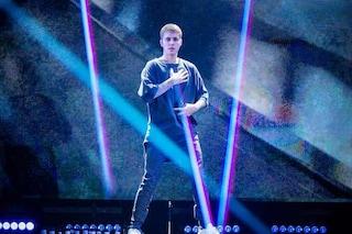Justin Bieber dispiaciuto per la salute di Selena Gomez, per alcuni media si sentirebbe in colpa