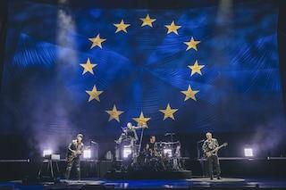 Buona la prima, gli U2 a Milano celebrano il genio e l'impegno italiano per i migranti