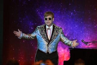 """Elton John ha annullato il secondo concerto all'Arena di Verona: """"Corde vocali infiammate"""""""