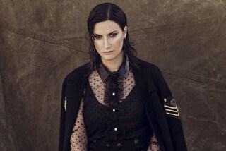 "Laura Pausini infuriata coi fan, ""In questa nostra casa nuova"" già online: ""Così rovinate il pop"""