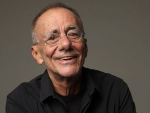Roberto Vecchioni (ph Oliviero Toscani)