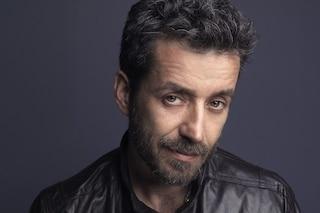 """Daniele Silvestri canta """"Argentovivo"""" con Rancore a Sanremo 2019"""