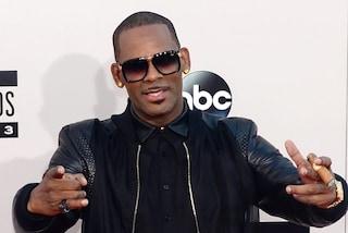 """R. Kelly si difende dalle accuse di abusi, l'avvocato: """"Tutto falso, mai rapporti con minorenni"""""""