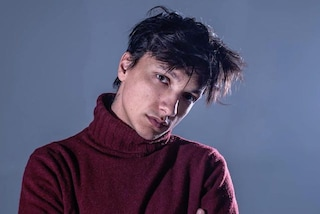 """Ultimo canta """"I tuoi particolari"""" a Sanremo 2019"""