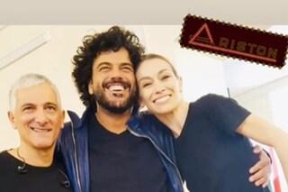"""Sanremo 2019, Francesco Renga canta """"Aspetto che torni"""" con Bungaro ed Eleonora Abbagnato sul palco"""