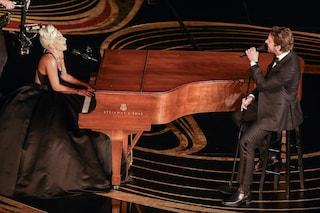"""Lady Gaga e Bradley Cooper cantano """"Shallow"""" agli Oscar 2019 e vincono tutto"""