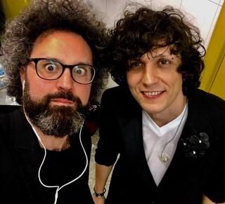 """Sanremo 2019, Ermal Meta torna all'Ariston e canta con Simone Cristicchi """"Abbi cura di me"""""""