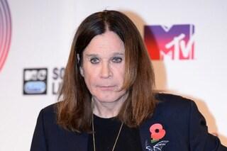 """Ozzy Osbourne ricoverato in ospedale, la moglie: """"Complicazioni dell'influenza"""""""