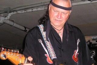 Addio a Dick Dale, padre del surf rock, suo il brano della scena del ballo di Pulp Fiction