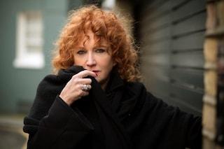"""Fiorella Mannoia la sua """"Personale"""" tra speranza e delusione 5 Stelle: """"Più arrabbiata che pentita"""""""