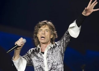 Mick Jagger dovrà operarsi al cuore, i motivi dello stop al tour dei Rolling Stones