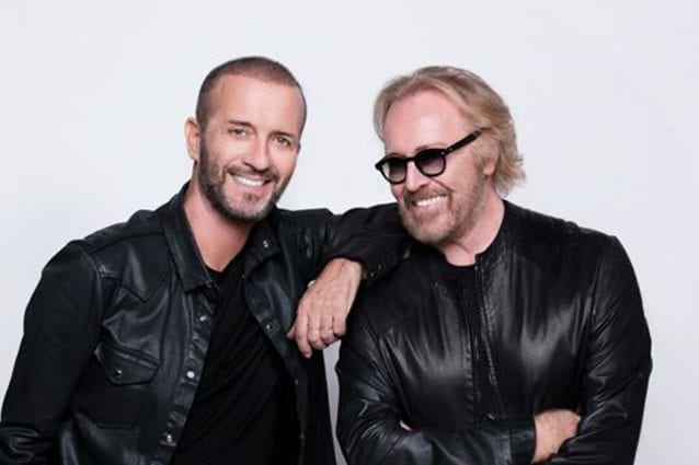 Umberto Tozzi e Raf, rinviato per problemi di salute il concerto dei due artisti
