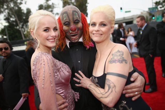 """Gabrielle, Shawn """"Clown"""" Crahan e la moglie (Getty Images)"""