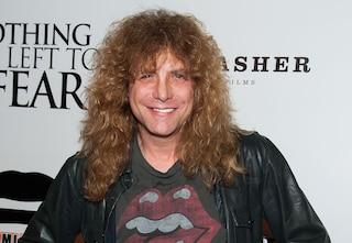 Steven Adler, ex batterista dei Guns N' Roses, si è accoltellato