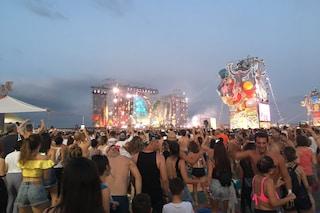 """Jovanotti contro le transenne al Jova Beach Party: """"Non è un raduno di hooligans infoiati"""""""