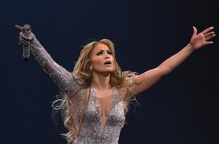 """Jennifer Lopez, il concerto interrotto a New York si recupererà: """"Stavolta nessun blackout"""""""