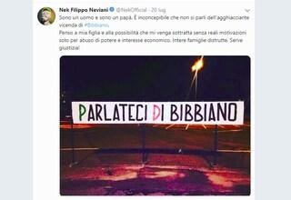 Bibbiano, dopo Laura Pausini si indigna anche Nek: l'artista attacca il Pd