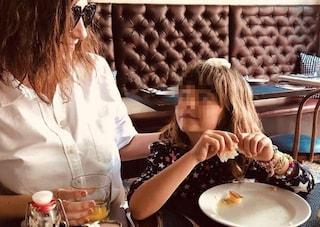 """Laura Pausini duetta con la figlia Paola: """"Nel 2012 cantai la stessa canzone ma eri nella pancia"""""""