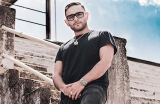 """L'addio alla musica di Rocco Hunt: cosa succede al rapper di """"Nu juorno buono"""""""