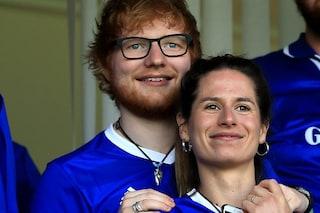 """Ed Sheeran annuncia: """"Mi fermo per 18 mesi"""", vuole dedicarsi alla moglie Cherry Seaborn"""
