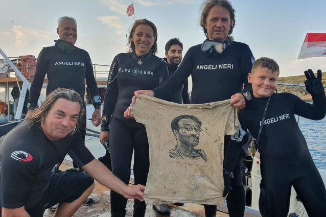 La maglia di Lucio Dalla recuperata (Credits, pagina Fb Ente Parco Nazionale del Gargano)