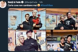 """Benji & Fede festeggiano Good Vibes con la solita foto dagli instore: """"Certe cose non cambiano mai"""""""