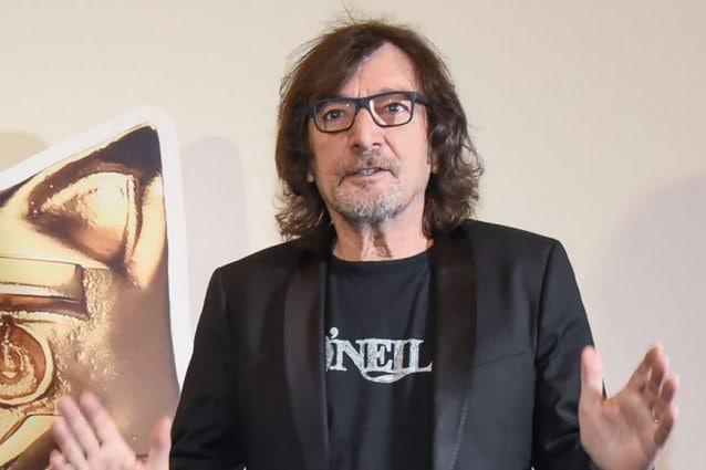 Claudio Cecchetto: malore improvviso durante l'evento di Benji & Fede
