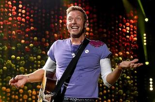 "I Coldplay annunciano ""Everyday Life"" e i singoli ""Orphans"" e ""Arabesque"": con loro anche Stromae"