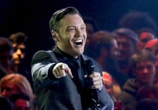 """Sanremo 2020, Tiziano Ferro nel segno di Mia Martini, Ranieri e Modugno: """"Duetterei con mia madre"""""""