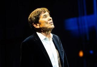 Gianni Morandi debutta a Bologna con la canzone scritta dal nipote Paolo, figlio di Biagio Antonacci