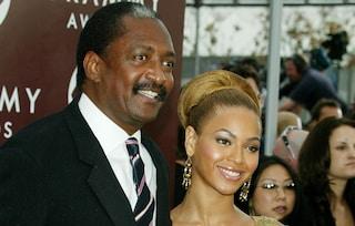 """Il padre di Beyoncé ha rivelato di avere un cancro al seno: """"Fate prevenzione, si può sopravvivere"""""""